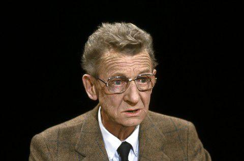 Schrijver en columnist Simon Carmiggelt.