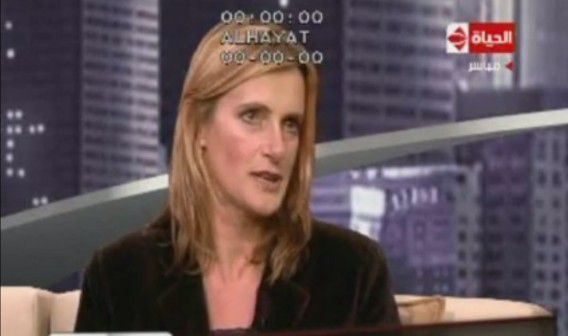 Rena Netjes tijdens een interview op de Egyptische televisie.