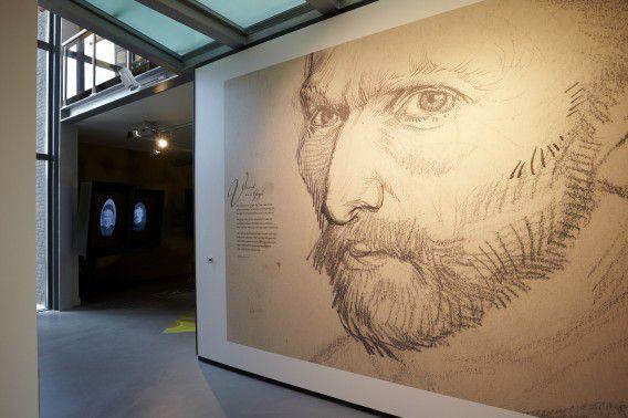 Een afbeelding van Vincent van Gogh in het Vincentre in Nuenen.