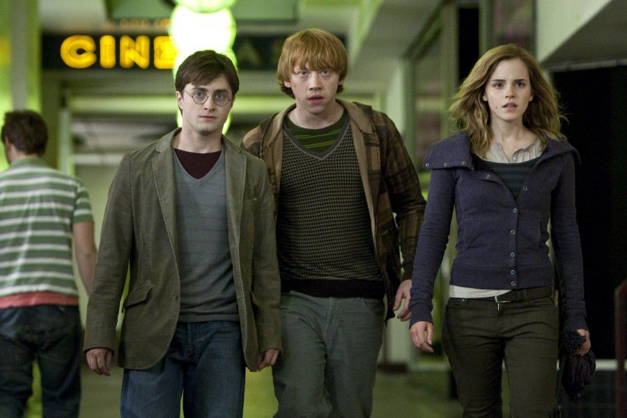 """**RESENT WITH BETTER IMAGE QUALITY**This film still released by Warner Bros. Pictures shows Daniel Radcliffe as Harry Potter, Rupert Grint as Ron Weasley and Emma Watson as Hermione Granger in Warner Bros. Pictures' fantasy adventure """"Harry Potter and the Deathly Hallows - Part 1.""""(AP Photo/Warner Bros.Pictures,Jaap Buitendijk)**NO SALES**"""