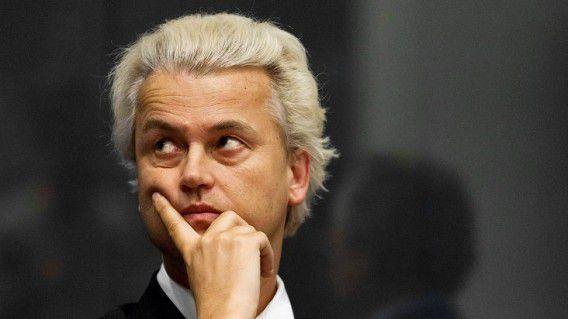 Wilders zou het te veel eer vinden voor Pechtold om twee keer met hem in debat te gaan. Foto Reuters / Michael Kooren