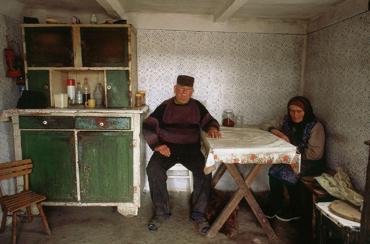 Een boerenechtpaar in Hongarije. Het land zou ook fijn zijn om te mountainbiken.