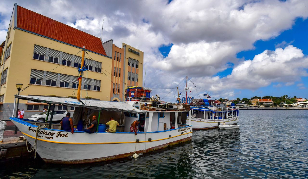 Venezolaanse boten in de haven van Willemstad, Curaçao, in februari 2019.