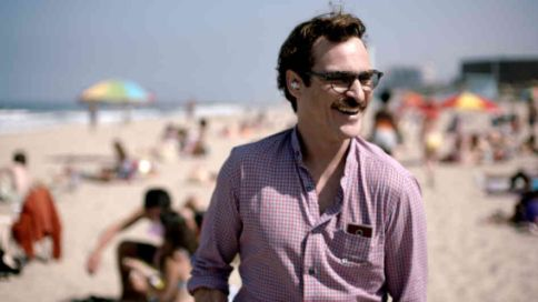 Theodore Twombly (Joaquin Phoenix) in 'Her'.