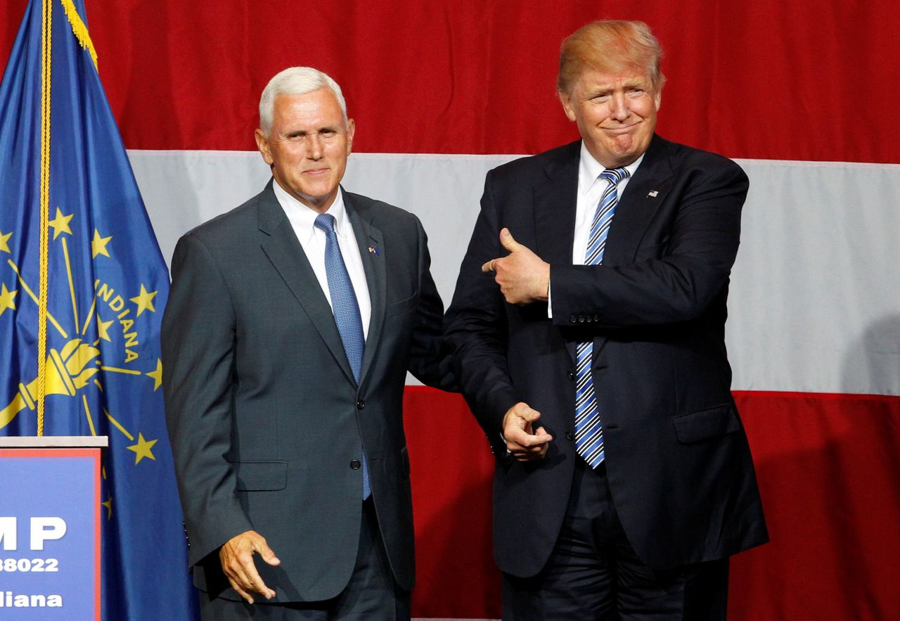 Donald Trump met de gouverneur van Indiana Mike Pence.